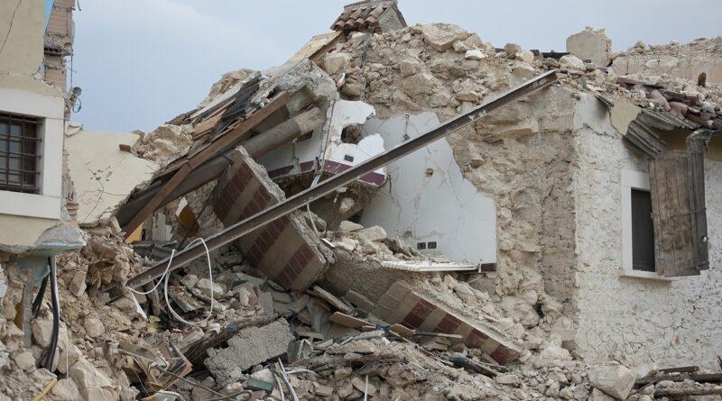 """İnşaat Mühendisleri ; """"İzmir Depreminde Sürecin Dışına İtildik"""""""